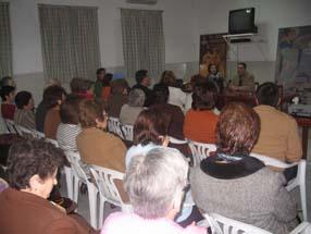 La charla contó con la presencia de numerosos asistentes