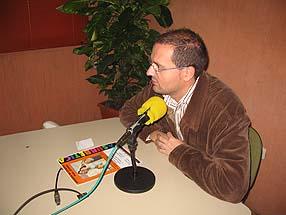 José Macías, en los estudios de Radio Rute