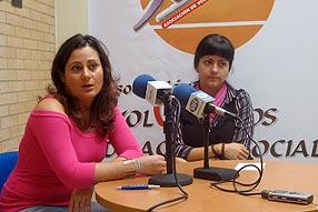 La educadora social Isabel Ruiz junto a la concejala de Servicios Sociales, Ana Lazo