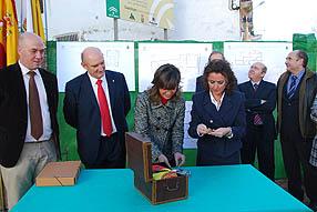 La delegada de Gobierno durante el acto protocolario de colocación de la primera piedra