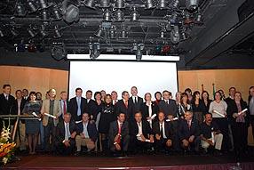 El colofón al acto fue la foto oficial con todos los premiados en el escenario