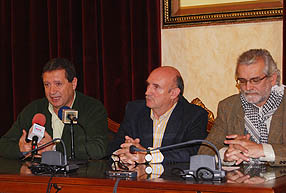 Francisco Javier Altamirano,Manuel López Calvo, y  Francisco Martínez, durante la rueda de prensa