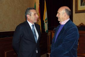 El vicepresidente de Magtel, Juan Luis López junto a Francisco Javier Altamirano