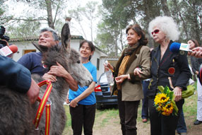 """La duquesa expresó su """"inmensa alegría"""" por  haber podido conocer la reserva de burros"""