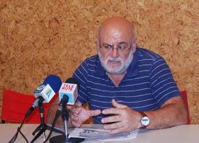 Manuel Muñoz durante su comparecencia pública en  los estudios de Tele Rute