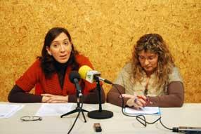 La concejala popular, Isabel Delgado, ha acompañado  a Rafaela Obrero durante su comparecencia pública
