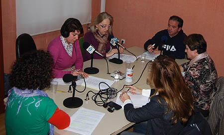 Los contertulios del programa de radio fueron Belén  Ramos, Purificación Cobos, Montserrat Ruiz, Dolores Lebrón y Víctor García