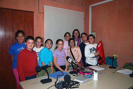 Una de las sesiones radiofónica en la emisora  municipal Radio Rute