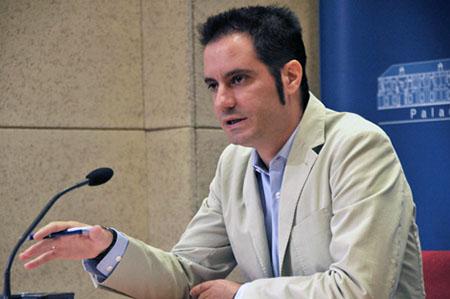 Julio  Criado afirma que es una medida del gobierno del PP de la Diputación para  ayudar a los colectivos más desfavorecidos