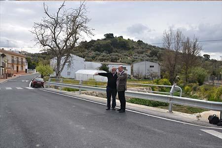 El  alcalde y el concejal de Obras visitan las actuaciones realizadas en el  Nacimiento de Zambra