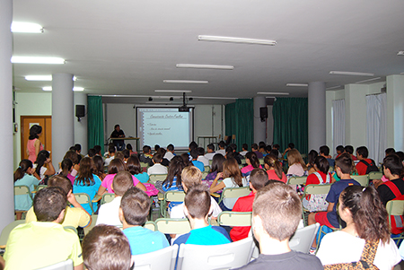 El nuevo  director del IES, Juan José Caballero, considera que la masificación de las  aulas es uno de los hándicaps principales del centro