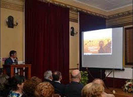El acto incluyó una proyección audiovisual en la que se mostraron los distintos apartados de la página web