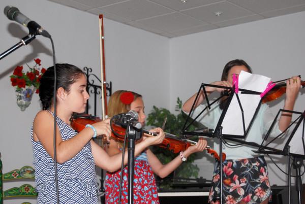 En la modalidad de violín se han formado este año ocho alumnos en la escuela
