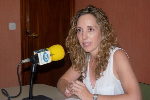 La enfermera Inés Fernández alerta de las consecuencias de un golpe de calor en Radio Rute