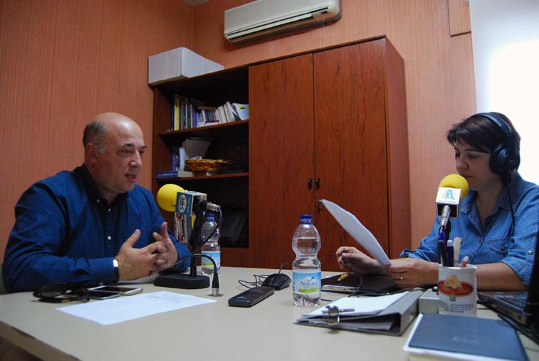 Antonio Ruiz durante la entrevista concedida a la emisora municipal Radio Rute