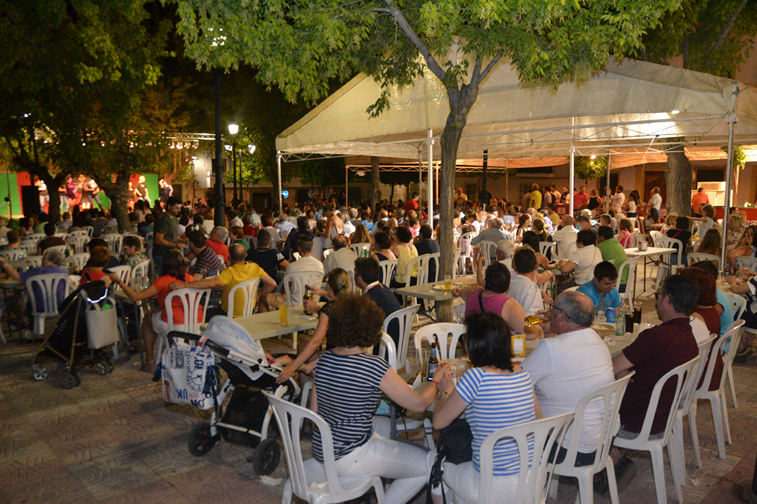 Junto a la música, en vivo o como fondo para el baile, la gente ha disfrutado de la verbena durante tres días