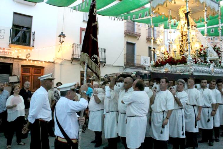 La procesión de la Virgen del Carmen fue el momento central de las fiestas en Zambra