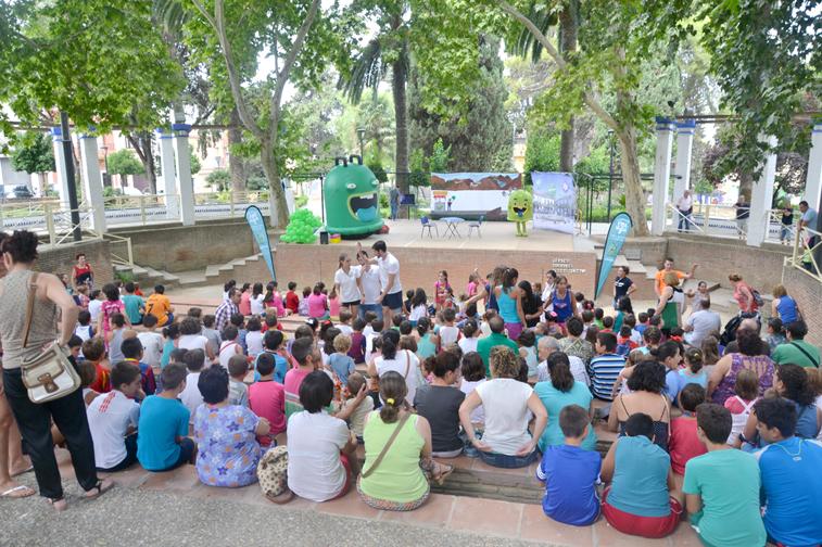 Niños y niñas del municipio han disfrutado a la vez que aprendían reciclaje con las actividades de Ecovidrio