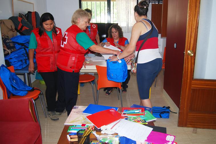 El reparto se hizo en la sede de Cruz Roja, que se encuentra en la barriada de Los Manzanos