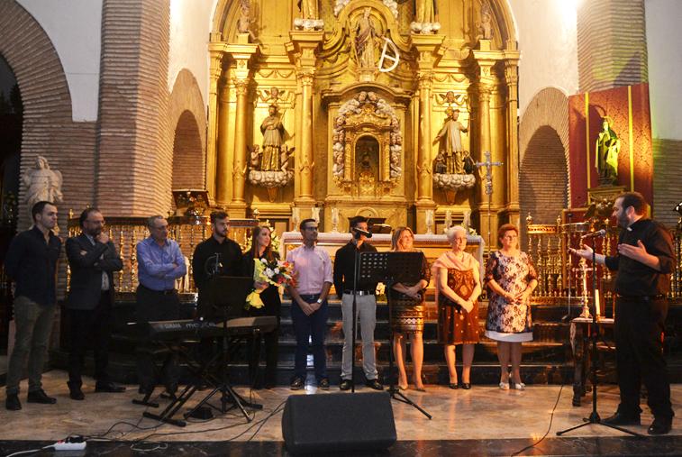 Juan Carrasco Pizarro, párroco de Santa Catalina, elogió públicamente la propuesta de los miembros de Artefacto