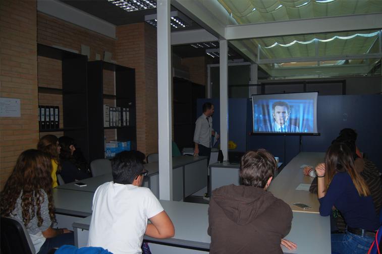 Por los talleres se han interesado sobre todo jóvenes con edades entre los 14 y los 18 años