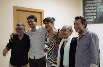 Parte del equipo de realización durante el estreno del corto en Málaga
