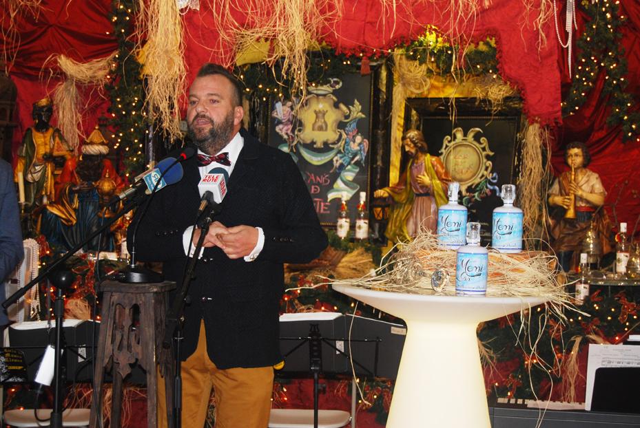 Anselmo Córdoba presenta tres tipos de ginebras de Destilerías Duende