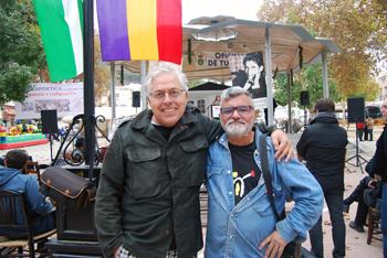 Pascual Rovira junto a uno de poetas destacados de la jornada, Antonio Orihuela