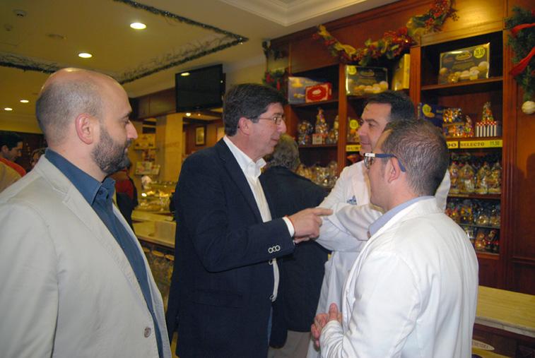 En su visita a Rute, Juan Marín tuvo ocasión de comprobar el potencial de las empresas del sector agroalimentario