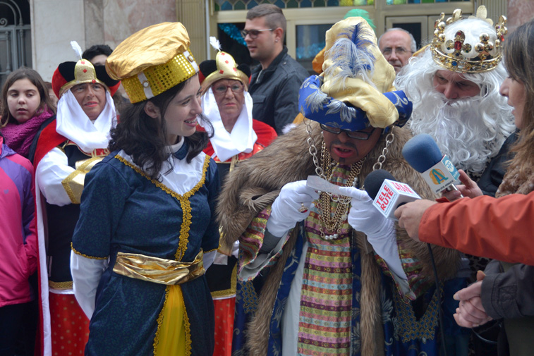 El Rey Baltasar y una de sus pajes se encargaron de dar a conocer el nombre de la ganadora