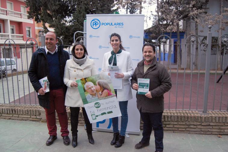 Los representantes del PP van a distribuir hojas de firmas y folletos por locales públicos del municipio