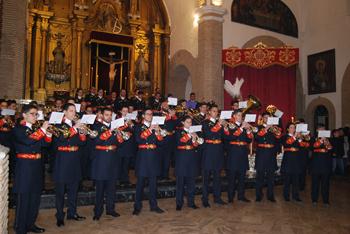 Terminada la eucaristía, la Agrupación Musical Santo Ángel Custodio estrenó dos marchas dedicadas a Jesús Resucitado