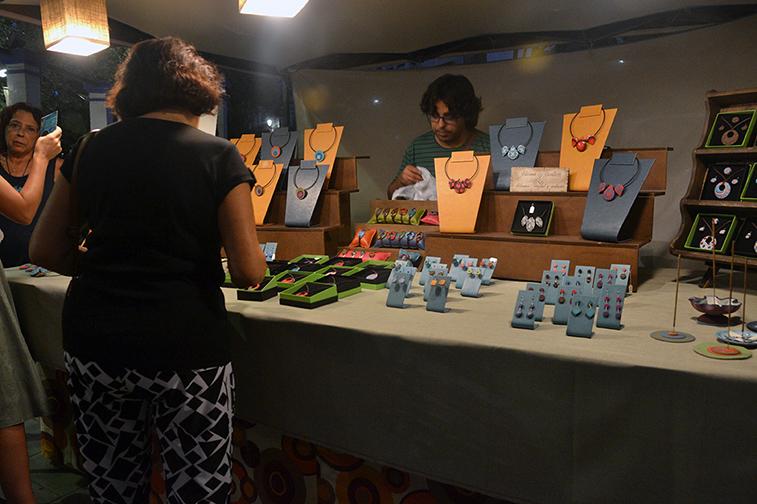 Los talleres de artesanía han sido uno de los atractivos de esta iniciativa multicultural