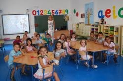 El colegio de los Pinos tiene ciento ochenta y seis alumnos censados y quince docentes